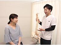 姫路坂口鍼灸整骨院・整体院 花田院の説明風景